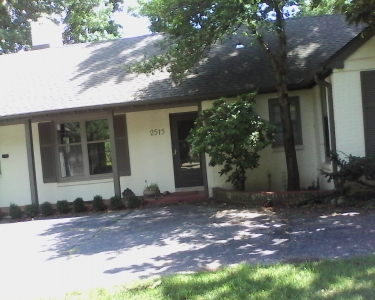 View Details of House Sitting Assignment in Mission Hills, Kansas