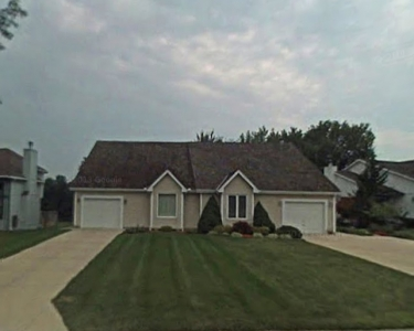 View Details of House Sitting Assignment in Overland Park, Kansas