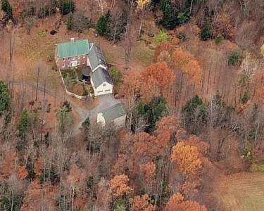 House Sitting in Charlotte, Vermont