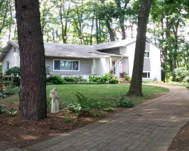 View Details of House Sitting Assignment in Annandale, Virginia