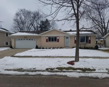 View Details of House Sitting Assignment in Elgin, Illinois