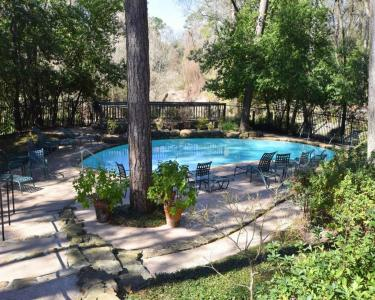 View Details of House Sitting Assignment in Houston, Texas