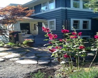 View Details of House Sitting Assignment in Seattle, Washington